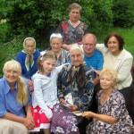 В Комайском костёле поздравили 95-летнюю именинницу